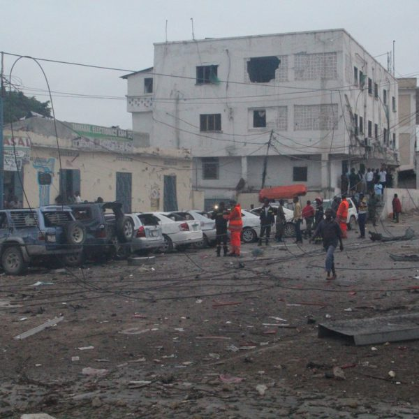 Charred cars on the street near Nasa-hablod 1 hotel that was filled with debris and blood (July 26, 2016). (Photo: Goobjoog)