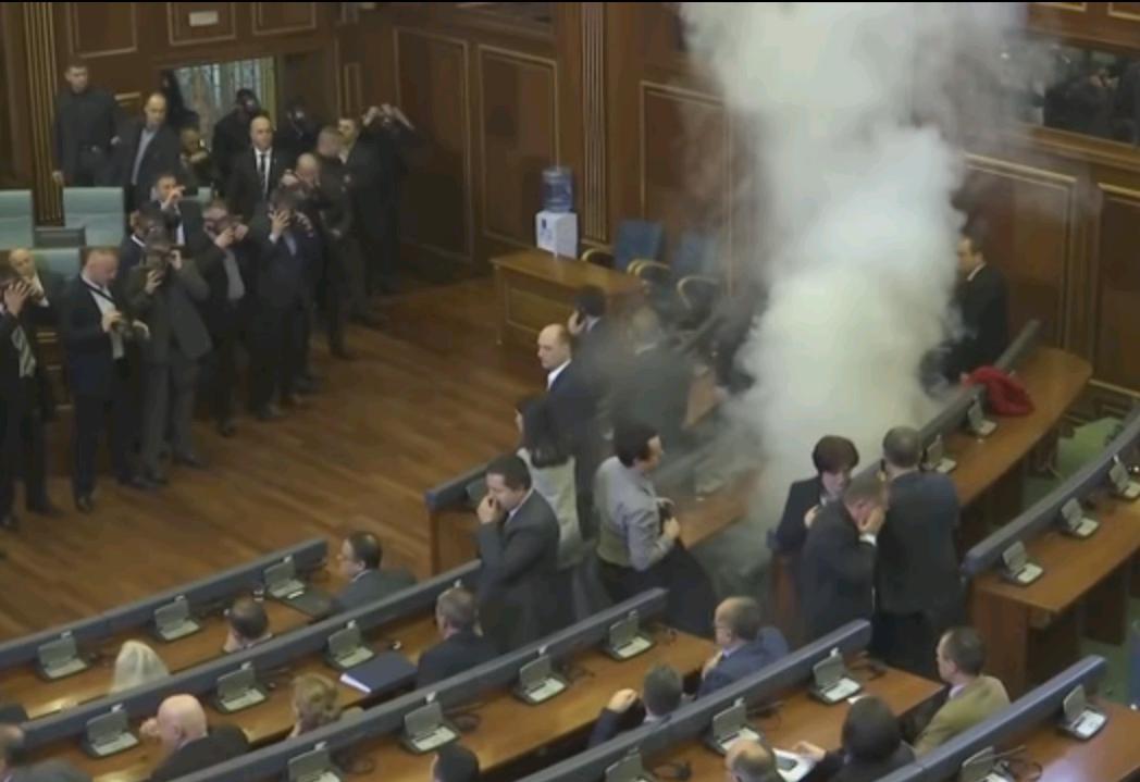 Tear-gas in Parliament in February of 2016 (Image: screenshot) Kosovo Parliament tear gas